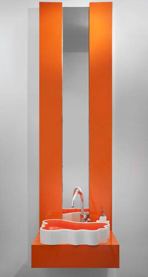 szafka lazienkowa w kolorze pomaranczowym